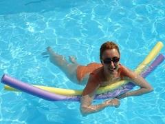 公共场所游泳会被传染乙肝等疾病吗?